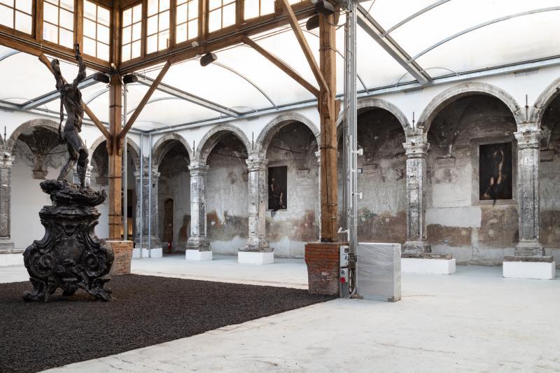 NICOLA SAMORì / BLACK SQUARE / Made in Cloister e Museo Archeologico Nazionale Napoli 2020